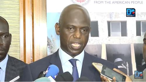 Le maire de Saint-Louis dépêche 4 membres de la famille des disparus pour une mission d'identification