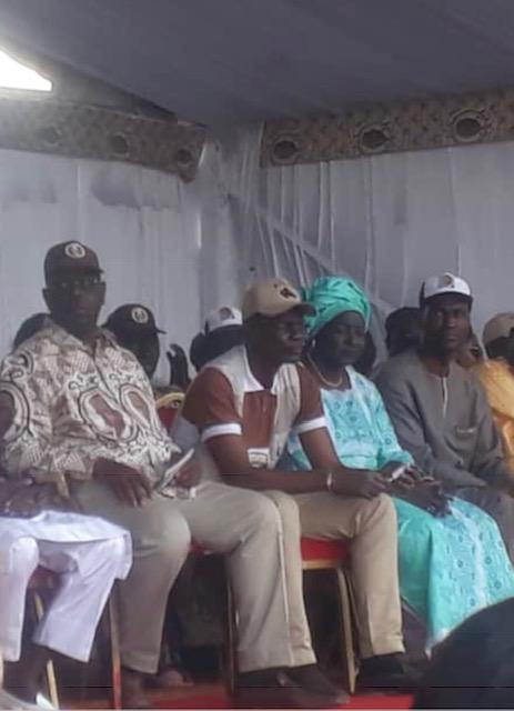 Mor Ngom tient à « se coller » à Macky, Mimi Touré lui cède la place.