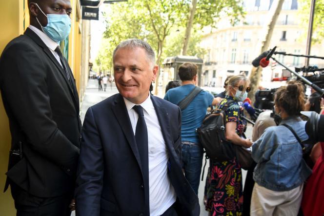 Philippe Juvin arrive à la rencontre des Républicains (LR) en vue de préparer l'élection présidentielle de 2022, à Paris, le 20 juillet 2021.